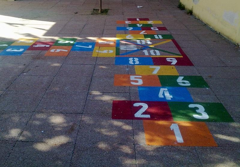 A parma e provincia i bambini tornano a fare i giochi di for Cortile giochi per bambini