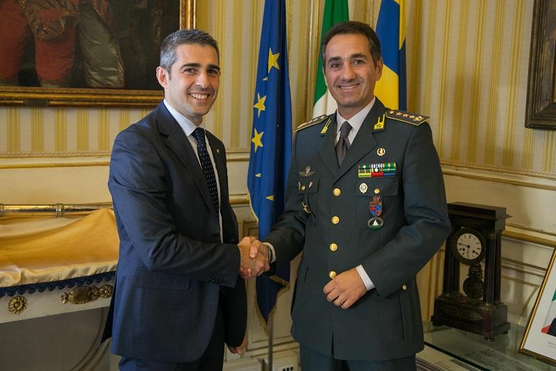 Guardia di finanza cambio al veritice il colonnello - Federico salvatore sulla porta ...